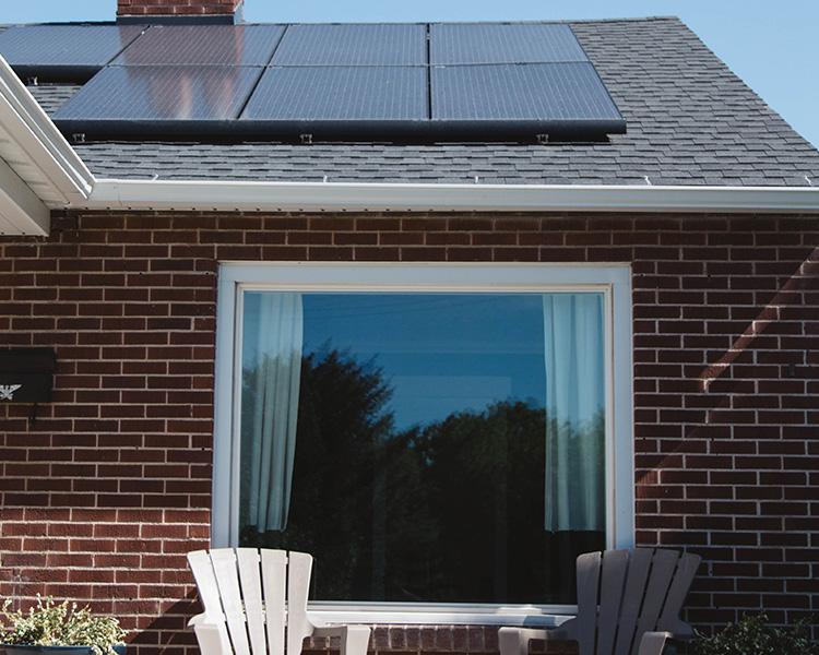 vivienda unifamiliar-con-paneles solares